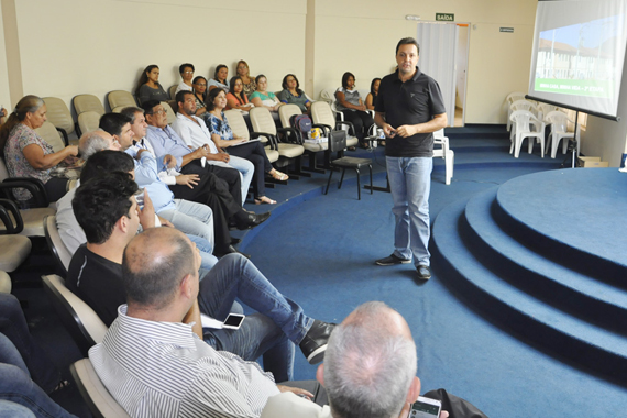 Secretaria de Ação Social debate setor Habitacional em Araxá