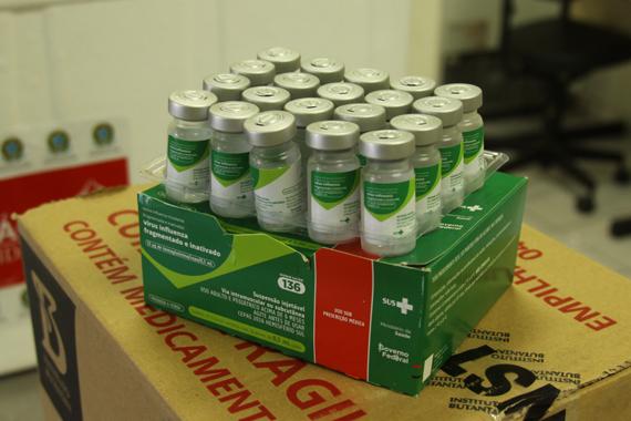 Minas Gerais recebe primeiro lote de vacinas contra a gripe