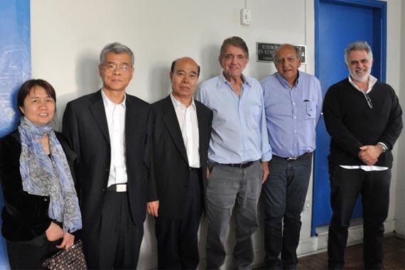 Comitiva chinesa visita Araxá interessada por terras-raras