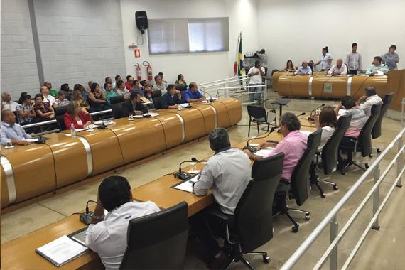 Câmara abre Comissão Processante contra prefeito Aracelye vereadores denunciados por corrupção