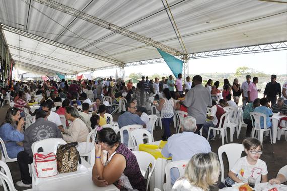 FOTOS: Servidores públicos comemorar o Dia do Trabalhador