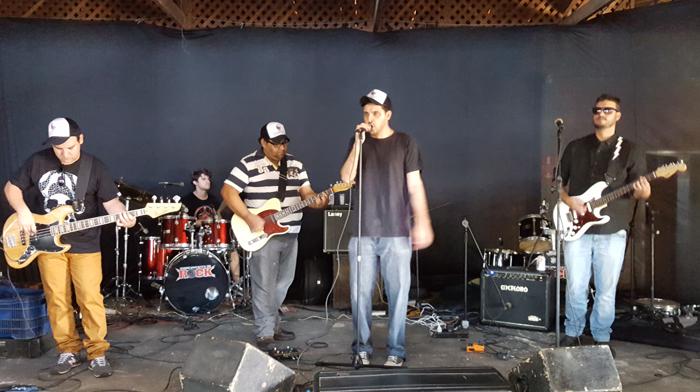 A banda Tonttera abrindo o Festival