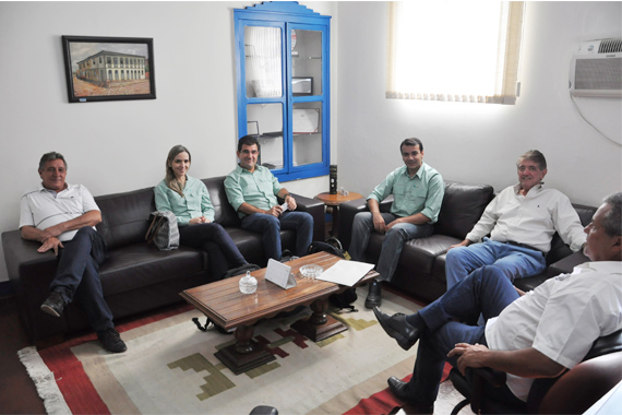 Prefeito recebe diretores da Vale Fertilizantes