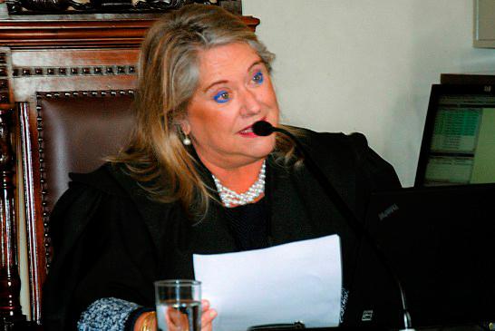 TJMG não encontra infrações, em denúncia, que possam cassar mandato de Aracely de Paula