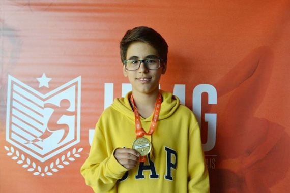 Atletismo e natação conquistam ouro e prata para Minas Gerais nos Jogos Escolares da Juventude