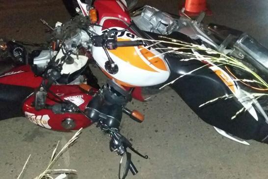 Acidente entre duas motos na rua Pará deixa homem gravemente ferido