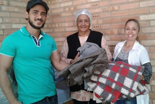 Alunos do Uniaraxá realizam segunda edição da Campanha do Agasalho