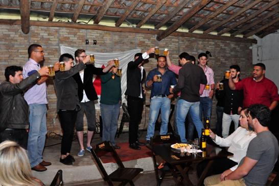 Libertas Bar chega ao primeiro mês com novidade