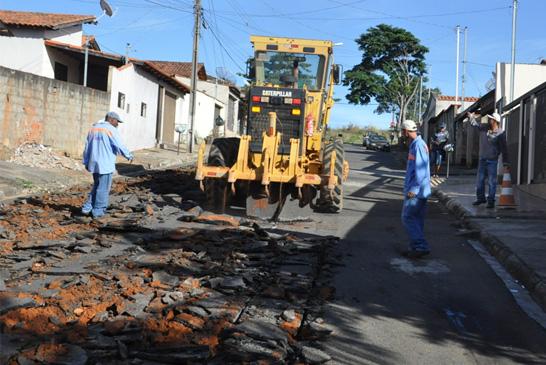 Ruas de bairros do Setor Norte recebem recapeamento