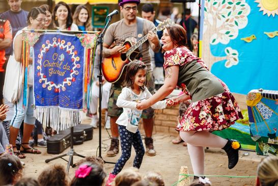 Peça infantil retrata a amizade de Mariazinha e a Bonequinha Preta em Araxá