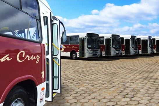 Ônibus do transporte público passam por fiscalização