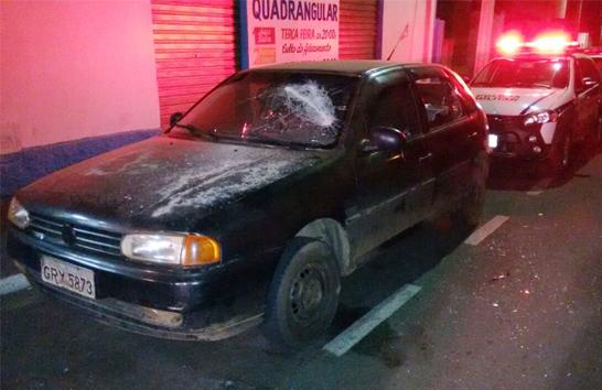 Dono de lanchonete é agredido e tem carro danificado no Santo Antônio