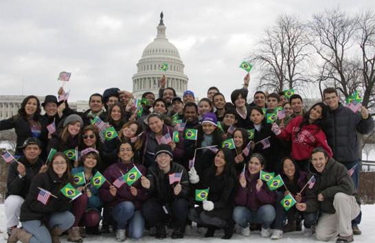 Araxaenses no ensino médio podem se inscrever no Programa Jovens Embaixadores