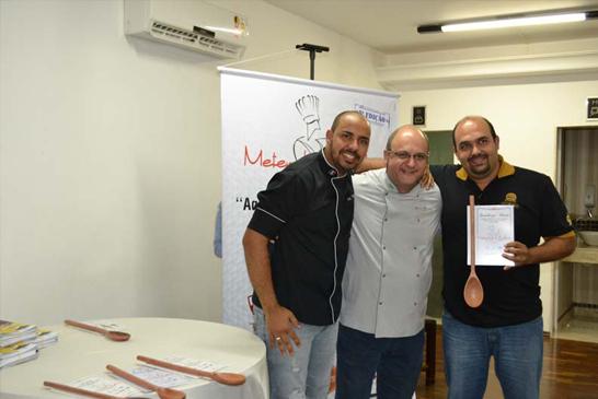 Empresários recebem certificação do 'Metendo a Colher 2016'