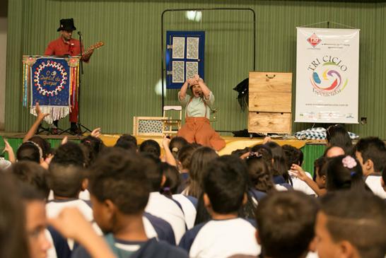 Bonequinha Preta encantou araxaenses com público superior a duas mil pessoas