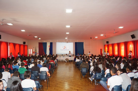 Colégio Dom Bosco de Araxá realiza mesa redonda sobre sustentabilidade ambiental