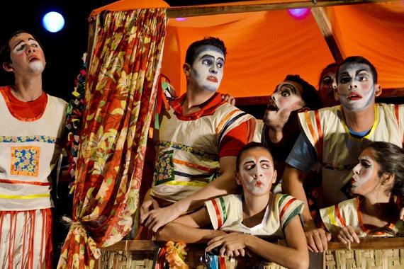 Teatro Municipal recebe 'Escola de Mulheres' no sábado