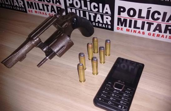 Jovem é preso por porte ilegal de arma de fogo