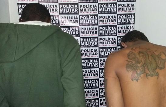 Ladrões de carro são presos pela PM no bairro Jardins das Oliveiras