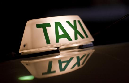 Taxista de 81 anos é assaltado e baleado em Araxá
