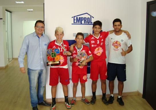 Projeto social araxaense beneficia sessenta crianças carentes através do futebol