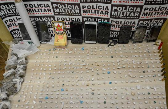 PM prende seis autores por tráfico de drogas no bairro Francisco Duarte
