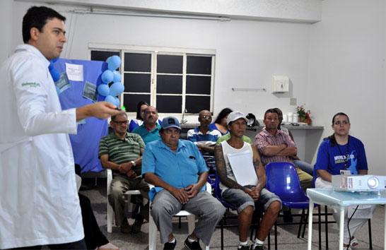 Novembro Azul faz 70 atendimentos no Dia D em Araxá