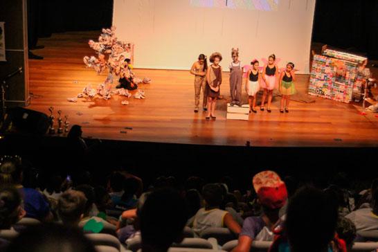 Mostra de Teatro premia escolas municipais