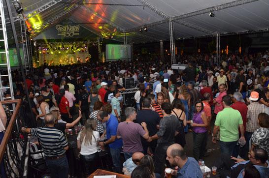 Atrações especiais abrem os shows do FestNatal