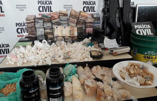Casal é preso pela Polícia Civil com grande quantidade de drogas e dinheiro