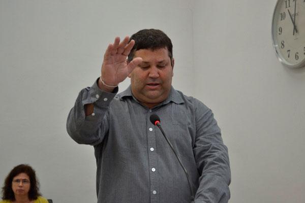 Emílio Castilho é empossado no cargo de vereador na Câmara Municipal de Araxá
