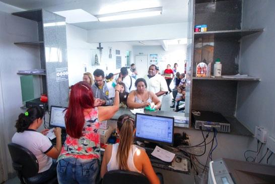 Laboratório Municipal registra 100 atendimentos diários