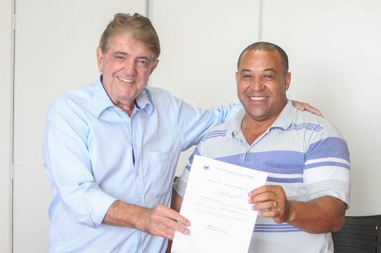 Adolfo assume a Secretaria de Esportes