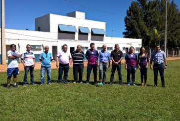 Comissão de Vereadores visita sede do Dínamo Esporte Clube