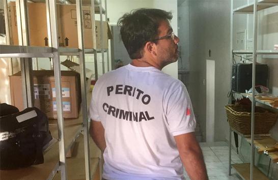 Bandidos levam cerca de 1.300 peças de roupas de loja em Araxá
