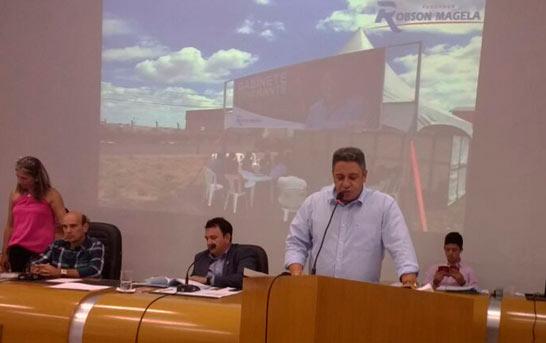 Robson Magela apresenta demandas do Gabinete Itinerante e do Distrito de Itaipu