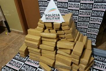 Carro é abordado com 126 tabletes de maconha em via de acesso a Araxá
