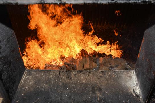 Polícia Civil incinera de 126 tabletes de maconha apreendidos em Araxá