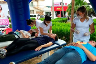 Cursos de Estética e Fisioterapia do Uniaraxá participam de atividade no Dia Mundial da Saúde