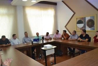 Vereadores conhecem estrutura e visitam obras no Uniaraxá