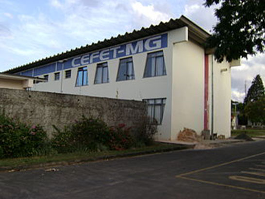 Mostra do Cefet-MG recebe interessados em conhecer a instituição e seus cursos