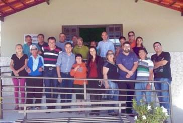 Obras Sociais Eurípedes Barsanulfo recebe visita de comitiva da Câmara  Municipal