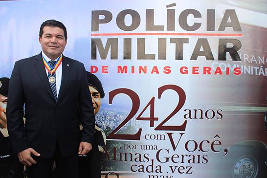 Deputado Bosco é condecorado com Medalha Alferes Tiradentes