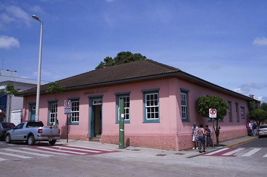 Escola Municipal de Música ganha destaque com eventos e Orquestra Popular 6