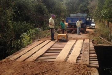 Prefeitura realiza melhorias em vias vicinais, manutenção e instalação de pontes e mata-burros
