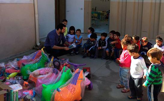 Hospital dos Brinquedos presenteia crianças do Cemei Central 3