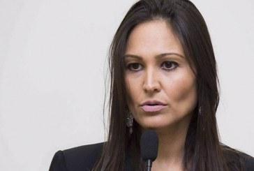 Fernanda Castelha apresenta indicações na reunião da Câmara