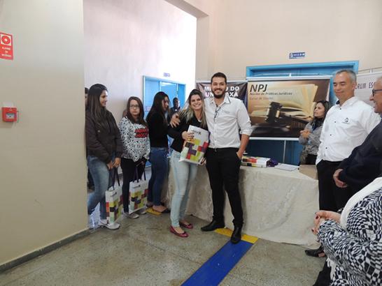 Parceria entre Uniaraxá e Editora Saraiva beneficia alunos do Curso de Direito 3