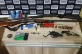 PM apreende armas e munição na zona rural de Araxá