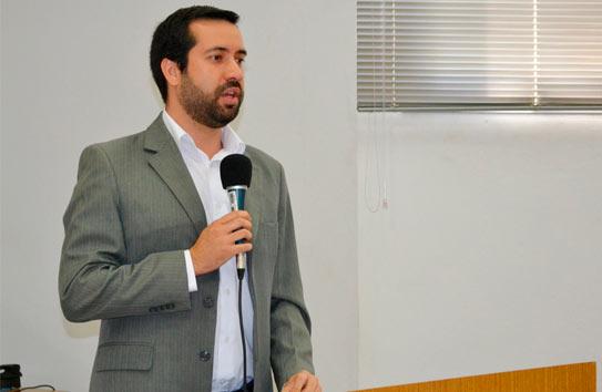 Raphael Rios propõe lei de incentivo e apoio à adoção de crianças e adolescentes